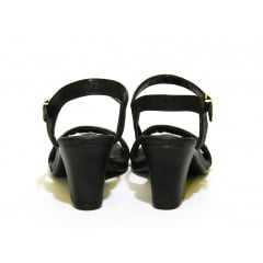 Sandália Comfortflex 1561405-0001 Preto