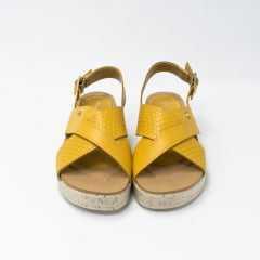 Sandália Pegada 232115 Couro Legítimo Giallo com palmilha Comfort